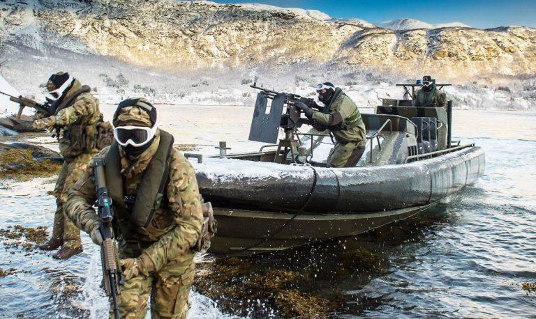 Sverige deltar i farlig militarisering också av Arktis