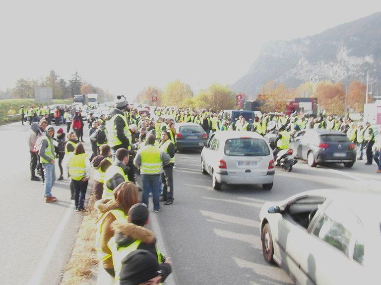En majoritet i Frankrike stödjer generalstrejken 5 december!