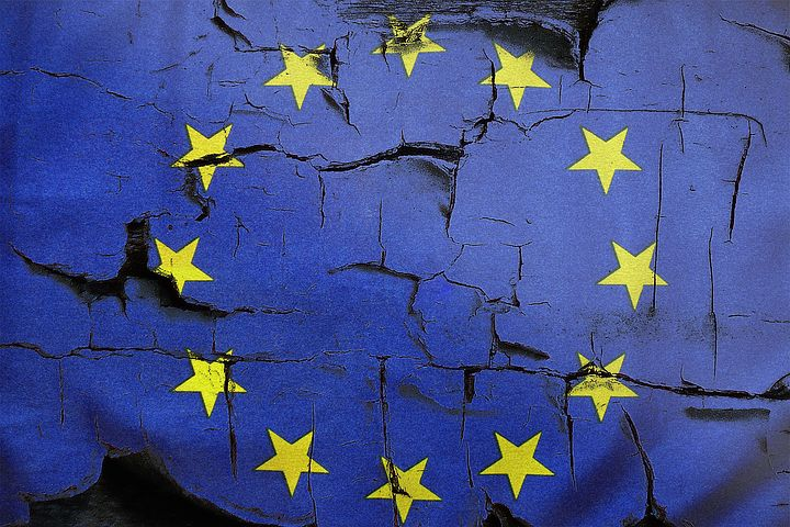 Är EU:s coronastöd en dimridå  för att rädda en orättvis euro?