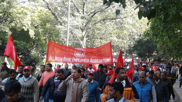 Världens största strejk i Indien, med högerextremt  regeringsparti