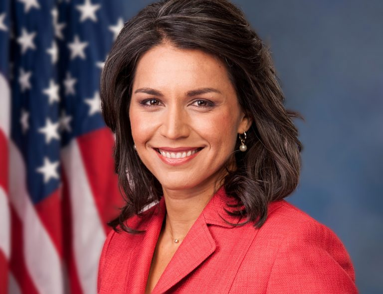 "USA:s bästa presidentkandidat Tulsi Gabbard ""back on Stage"""
