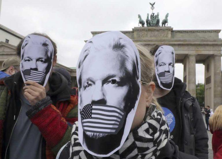 FN-rapport: Julian Assange har utsatts för psykologisk tortyr av Sverige, USA, Storbritannien och Ecuador.
