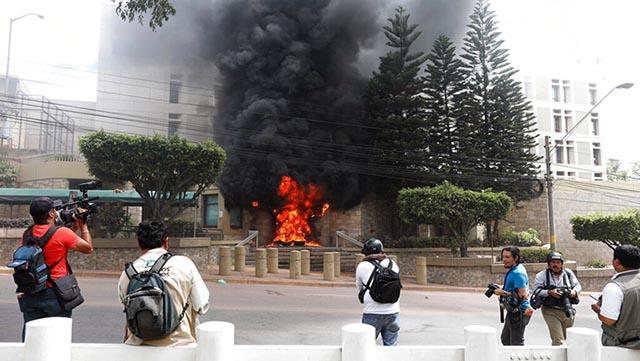Väldiga folkliga protester i Honduras!