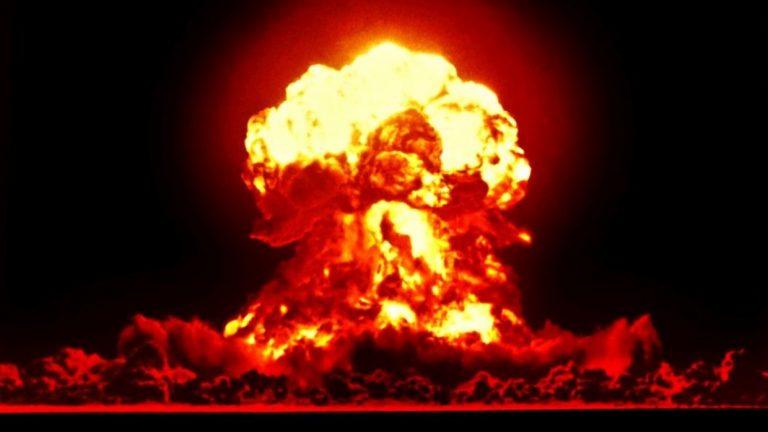 Utrikesministern ordnade möte om kärnvapenfrågan men går förbi huvudfrågan, kryper för USA och vilseleder.