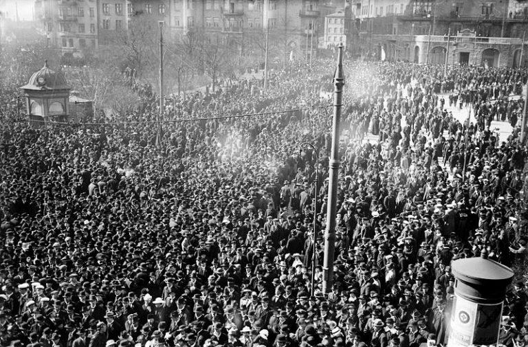 """Folkrörelserna har av myndigheterna förvandlats till """"civilsamhället"""""""