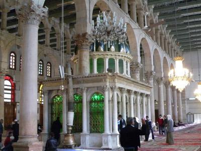 Det sekulära Syrien bekämpas av Väst som favoriserar intoleranta diktaturer i Mellanöstern.