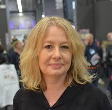 """Åsa Linderborg: """"Jag kallar mig inte längre för vänster utan för socialist"""". Vad menar hon?"""