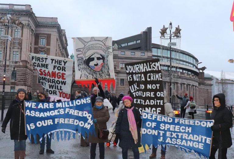 Ny fin manifestation i Stockholm för stöd till Julian Assange och yttrandefrihet!