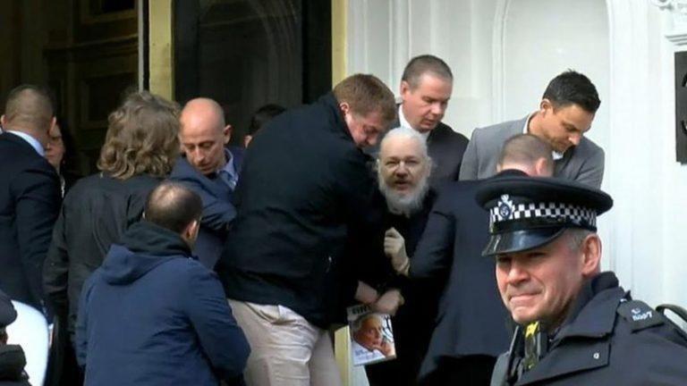 Manifestation om Assange utanför Storbritanniens ambassad! Se och lyssna på uttalandet som lämnades till ambassaden!