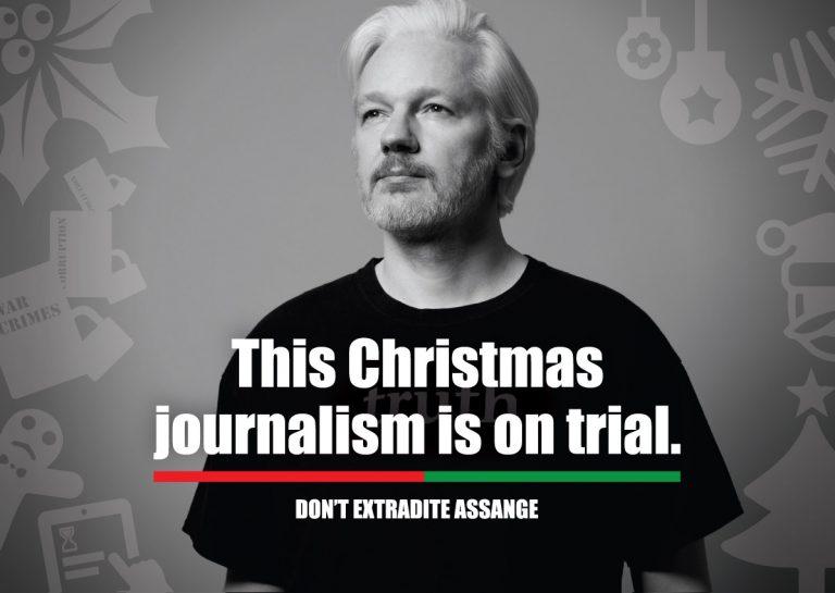 Skicka julkort till Julian Assange!