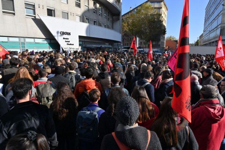 Självmord i protest mot Macron-regimen