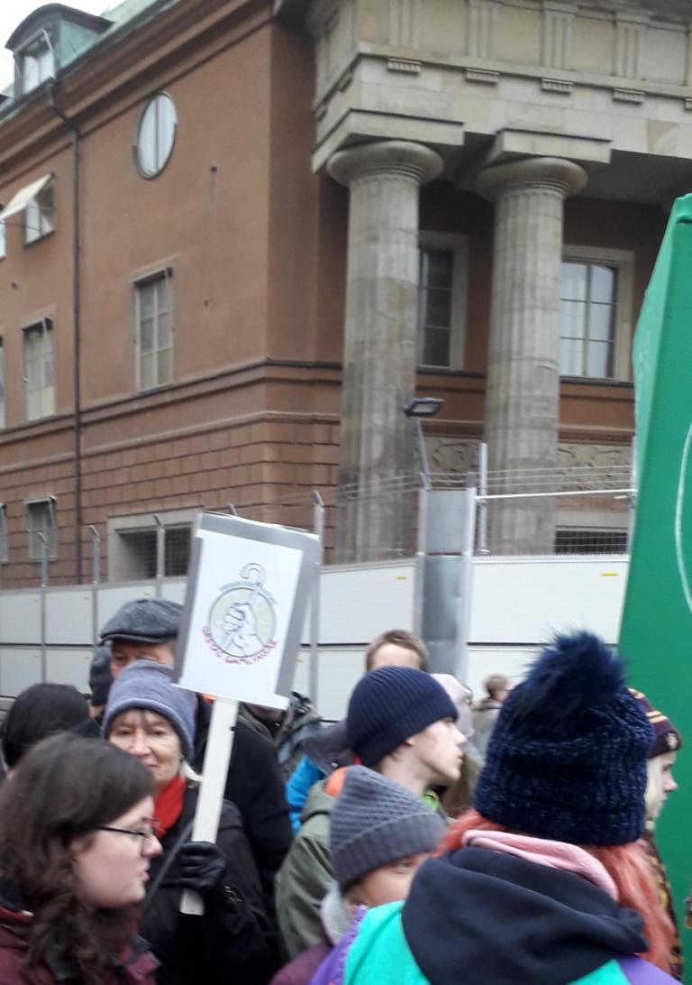 Till försvar av Greta Thunberg, men inte av stödet till krigs- och oljehöken Biden mot krigs- och oljehöken Trump
