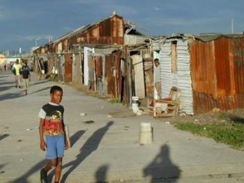"""Världsberömd USA-ekonom """"Väst håller Afrika fattigt"""""""