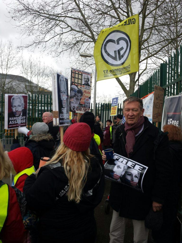 Ögonvittnesrapport av mig och andra från solidaritetsmanifestationer för Julian Assange och yttrandefrihet i London.