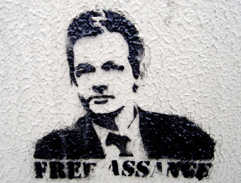 "Appeal ""Set Julian Assange Free"". (Upprop ""Frige Julian Assange"". )"