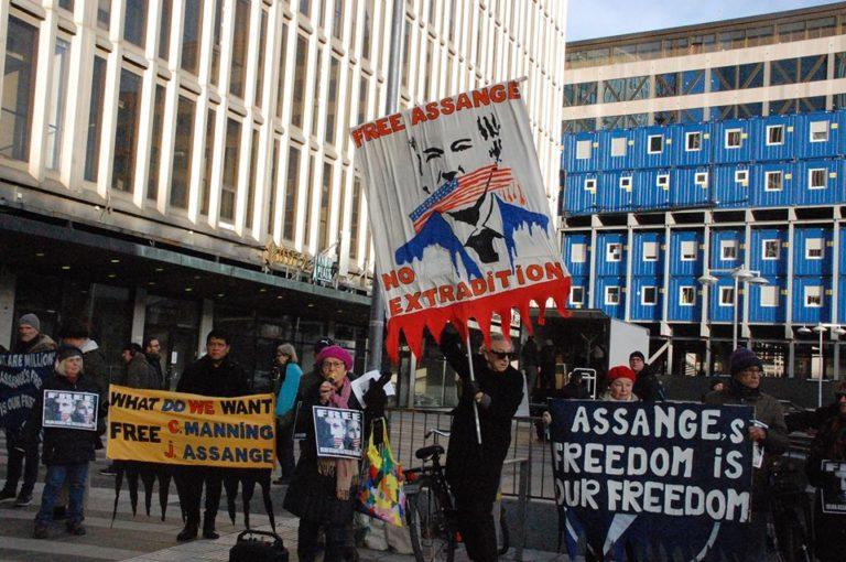 Rädda Julian Assange och Chelsea Manning! Manifestation på Soltorget lördag 8/2 kl 12. Kom, lyssna och diskutera!