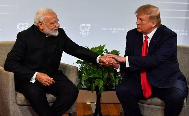 Indien kastar ett öga på Kina och omfamnar USA