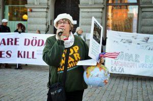 Agneta Norberg – Lyssna på ett alternativt sommartal för fred och mot imperialism!