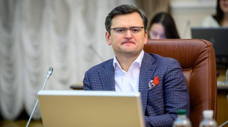 Följer inte Ukraina Minskavtalen som nåtts om Donbass ställning?