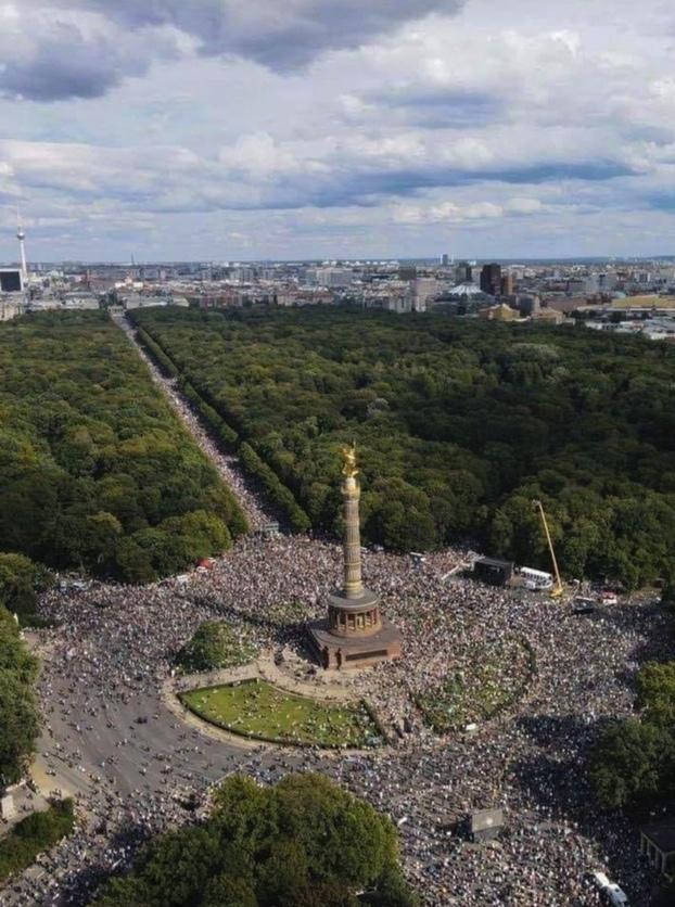 Protesterna mot coronaåtgärderna i Berlin