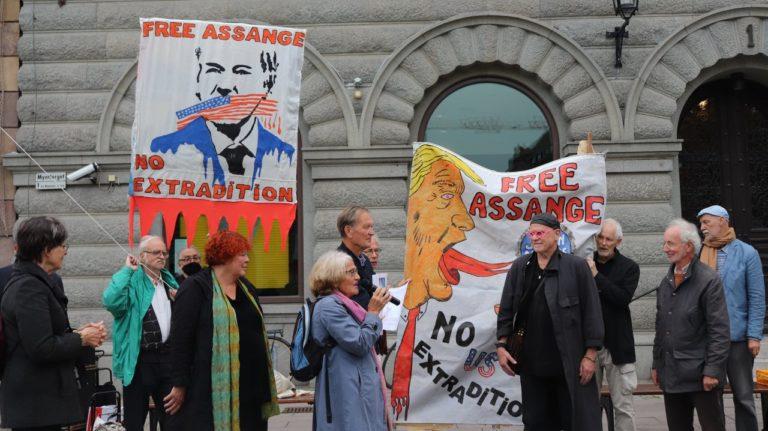 Frige Julian Assange! Läs och lyssna till tal av FIB:s ordförande Karin Rosenqvist!