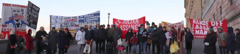 Möt upp för Julian Assange! Fredag 23 oktober kl. 16:00-17:00
