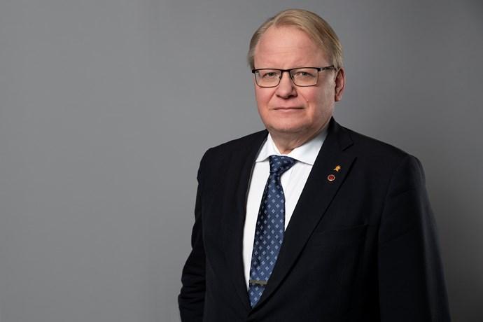 Hultqvist om Sverige som frontstat mot Ryssland skapar otrygghet
