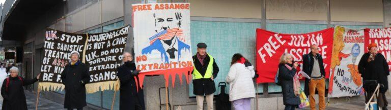Tal av Anders Romelsjö vid lyckad manifestation för Assange och yttrandefriheten. Läs och Lyssna!