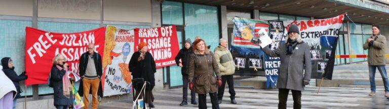 Lyckad manifestation för Assange och yttrandefriheten förra lördagen. Hälsningar från Väst-Sverige, tal av FIB:s ordförande!