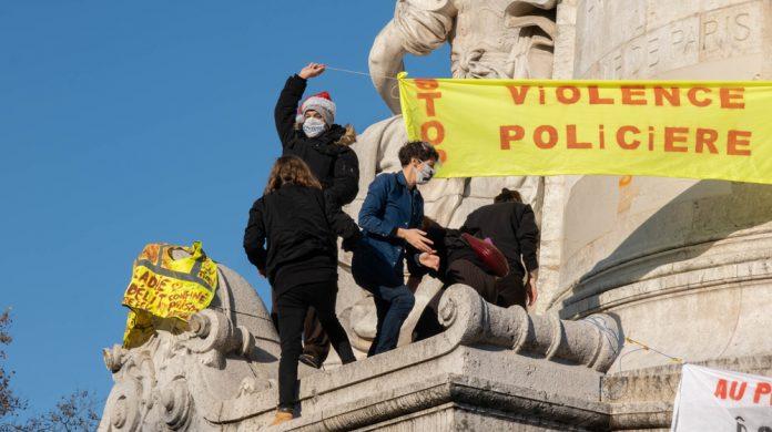 Seger för yttrandefrihet och demokrati i Frankrike!