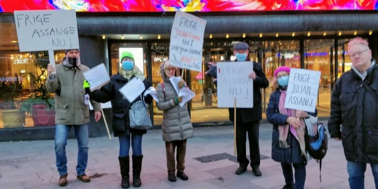 Rapport från manifestationen för stöd till Julian Assange och yttrandefrihet 16 februari i Stockholm.