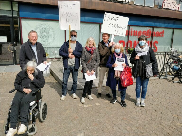 På Pressfrihetens dag för Assange och yttrandefrihet: Manifestation både utanför DN och SvT!