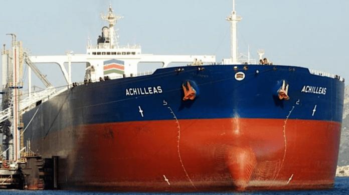USA – säljer av 2 miljoner fat stulen iransk olja, och plundrar Syrien på olja