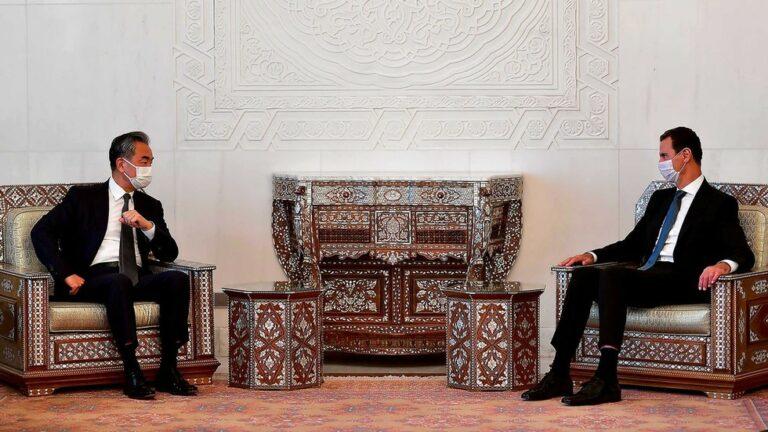 Kommer Kina att återuppbygga det krigshärjade Syrien? Varför stärker Peking sitt partnerskap med Assad?