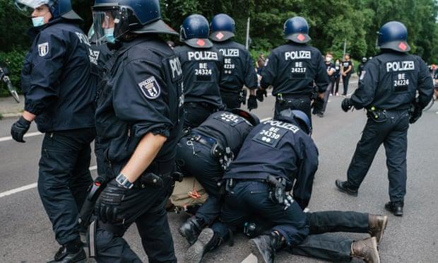 Grovt polisvåld även i Tyskland